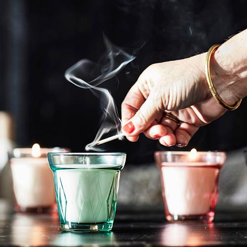 VÄLDOFT aromatizētā svece stikla traukā