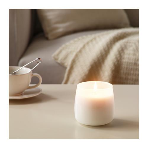 FRISKHET smaržīgā svece stikla traukā