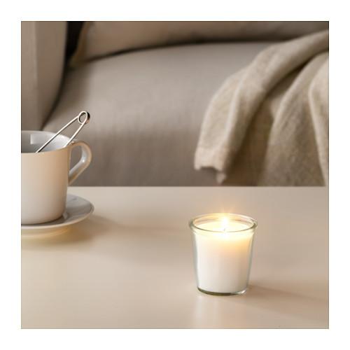 SMÅTREVLIG aromatizētā svece stikla traukā