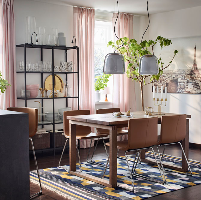 A couple's dining room: stylish and durable