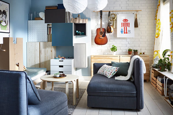 A flexible living room that helps save space and money