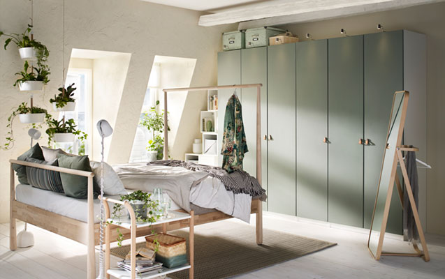 A spacious wardrobe in couple's bedroom