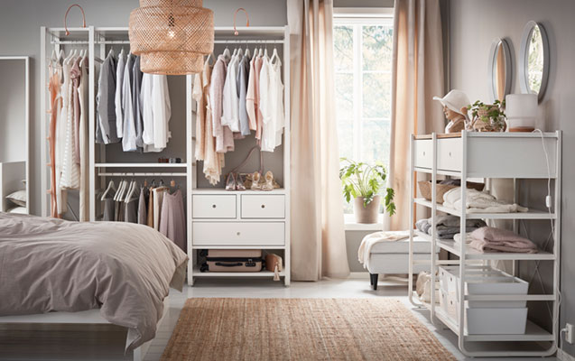 An open wardrobe: how to store clothes in bedroom?