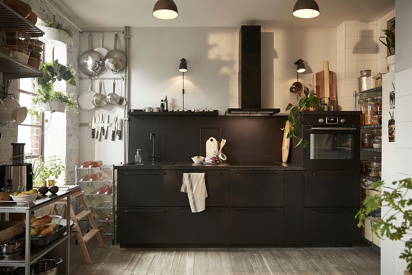 An eco-friendly kitchen for a couple