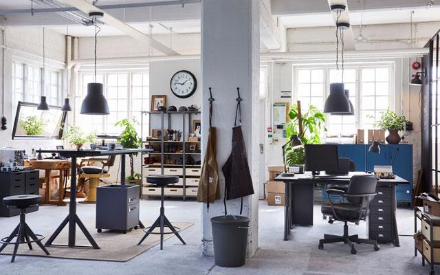 Biuras ir dirbtuvės vienoje patalpoje