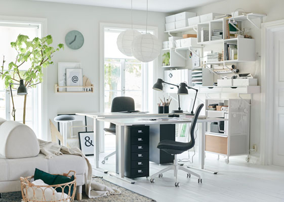 A living room's office for two