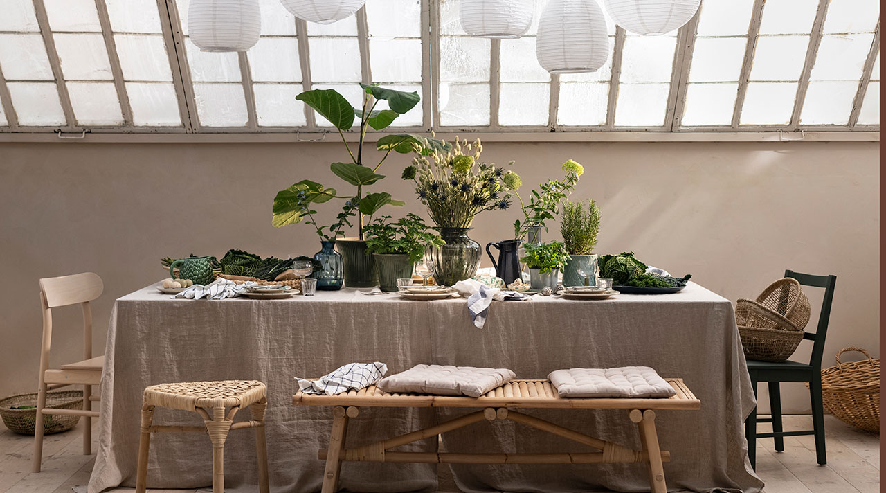 The power of plants: greenery table decor